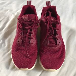 Nike Air Maroon Tennis Shoe